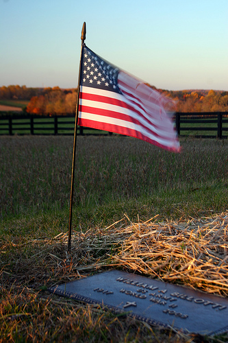 AmericanFlagGrave