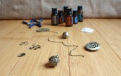 These DIY essential oil diffuser locket necklaces are a great way to reap the benefits of the healing powers of essential oils AND look fashionable.