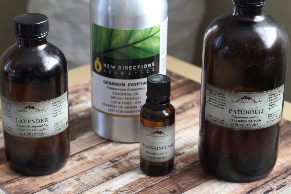 Wouldn't you like to have a truly safe product effective enough to clean your bathroom, yet gentle enough to clean your face? This DIY face wash recipe is it!