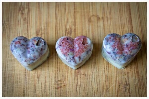 These little DIY lavender rose bath melts are moisturizing, soothing to muscles, and calming. Drop just one into a hot bath and it melts in about five minutes.