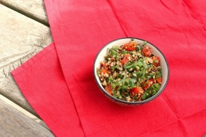 This cleansing quinoa salad recipe is perfect to boost your superfood intake. Who says detoxing means consuming only juice?