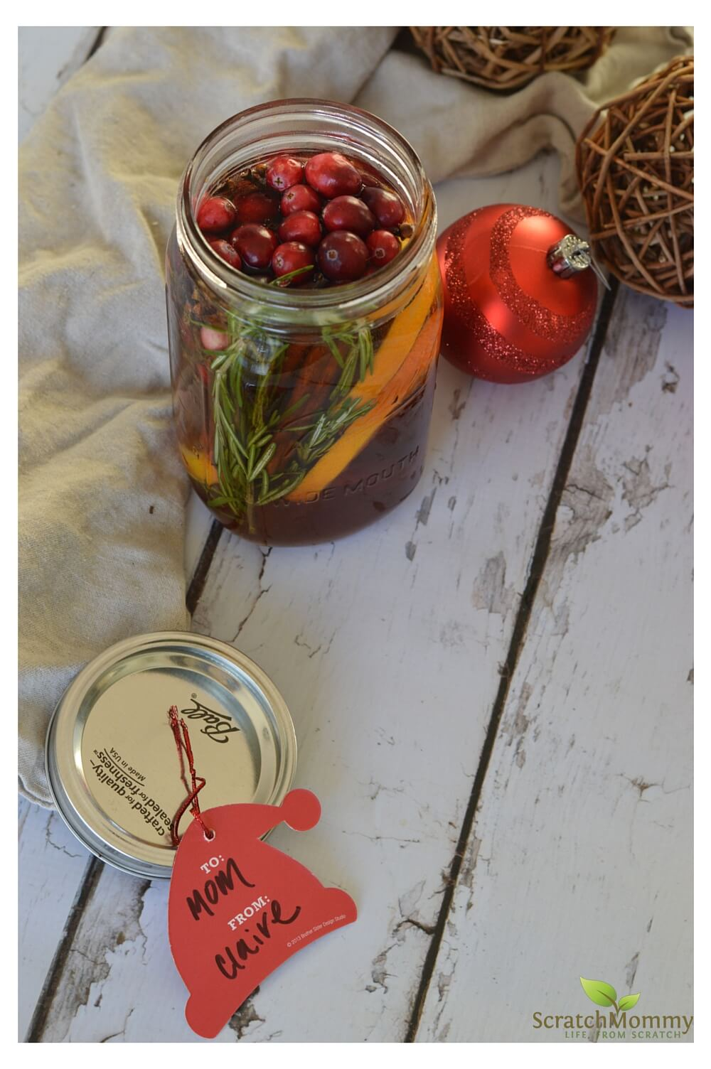Gorgeous DIY Holiday Potpourri - Makes the perfect non-toxic holiday scent you crave for your home AND to give as gifts to those you love - Scratch Mommy