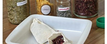 DIY Herbal Tea Blends (the perfect stress reliever for you and to give as gifts!) - Scratch Mommy