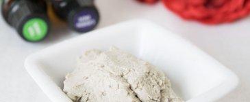 5 Ways To Use Bentonite Clay (complete with DIY recipes!)