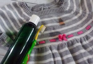 DIY natural stain remover recipe- Scratch Mommy